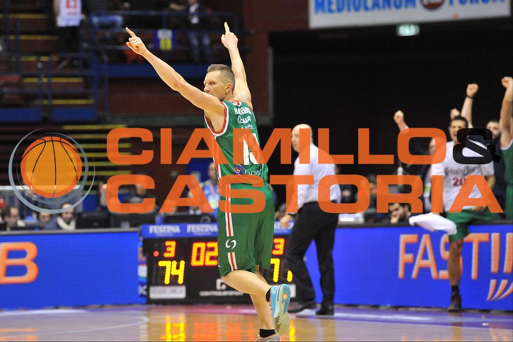 DESCRIZIONE : Milano Final Eight Coppa Italia 2014 Quarti di Finale Acqua Vitasnella Cant&ugrave; - Grissin Bon Reggio Emilia<br /> GIOCATORE : Rimantas Kaukenas<br /> CATEGORIA : Ritratto Esultanza<br /> SQUADRA : Grissin Bon Reggio Emilia<br /> EVENTO : Final Eight Coppa Italia 2014 Milano<br /> GARA : Acqua Vitasnella Cant&ugrave; - Grissin Bon Reggio Emilia<br /> DATA : 07/02/2014<br /> SPORT : Pallacanestro <br /> AUTORE : Agenzia Ciamillo-Castoria / Luigi Canu<br /> Galleria : Final Eight Coppa Italia 2014 Milano<br /> Fotonotizia : Milano Final Eight Coppa Italia 2014 Quarti di Finale Acqua Vitasnella Cant&ugrave; - Grissin Bon Reggio Emilia<br /> Predefinita :