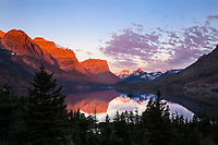 MT00136-00...MONTANA - Sunrise over St Mary Lake in Glacier National Park.