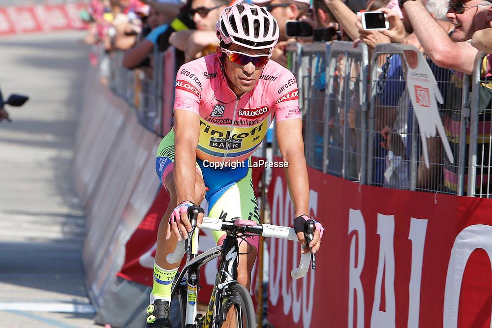 Foto LaPresse - Belen Sivori<br /> 28/05/2015 Verbania (Italia)<br /> Sport Ciclismo<br /> Giro d'Italia 2015 - 98a edizione - Tappa 18 - da Melide a Verbania - 170 km <br /> Nella foto: arrivo Contador Velasco Alberto -Esp- (Tinkoff Saxo) <br /> <br /> Photo LaPresse - Belen Sivori<br /> 28 May 2015  Verbania (Italy)<br /> Sport Cycling<br /> Giro d'Italia 2015 - 98a edizione - Stage 18 - from Melide to Verbania - 170 km  <br /> In the pic: Contador Velasco Alberto -Esp- (Tinkoff Saxo)
