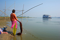 Inde, Bengale-Occidental, le Sukapha sur la riviere Hooghly defluent du Gange // India, West Bengal, Sukapha boat on the Hooghly river, part of Ganges river