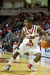 "02 December 2006: Keith ""Boo"" Richardson. In a non-conference game, the Mavericks of University of Texas at Arlington lost to the Redbirds home 86-61. The win was the 5th in a row for the Redbirds, the longest winning streak in 6 years. the game was played at Redbird Arena in Normal Illinois on the campus of Illinois State University.<br />"