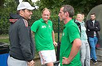 BLOEMENDAAL - Max Caldas met Remco van Wijk (m) en Ronald Brouwer.  Oud internationals Eby Kessing, Ronald Brouwer en Nick Meijer, alle spelers van Bloemendaal, namen afscheid met een afscheidsdrieluik. COPYRIGHT KOEN SUYK