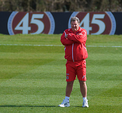 CARDIFF, WALES - Tuesday, March 24, 2009: Wales' manager John Toshack MBE during training at the Vale of Glamorgan ahead of the 2010 FIFA World Cup Qualifying Group 4 match against Finland. (Pic by David Rawcliffe/Propaganda)