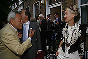 Taki theodocopolus and Daphne guinness, The Spectator At Home. Doughty St. 6 July 2006. ONE TIME USE ONLY - DO NOT ARCHIVE  © Copyright Photograph by Dafydd Jones 66 Stockwell Park Rd. London SW9 0DA Tel 020 7733 0108 www.dafjones.com