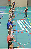 UTRECHT - Golfclinic voor medewerkers in de revalidatie sector, in samenwerking met de NGF, op De Hoogstraat een speciale opleiding verzorgd voor de bewegingsagogen van negen revalidatiecentra. Alle deelnemers krijgen een speciaal materiaalpakket t.b.v. golf in de bewegingstherapie. COPYRIGHT  KOEN SUYK