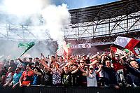 ROTTERDAM - Feyenoord - Heracles , Voetbal , Seizoen 2016/2017 , Eredivisie , Stadion Feyenoord - De Kuip , 14-05-2017 , Kampioenswedstrijd , eindstand 3-1 , Supporters vieren de 3-0