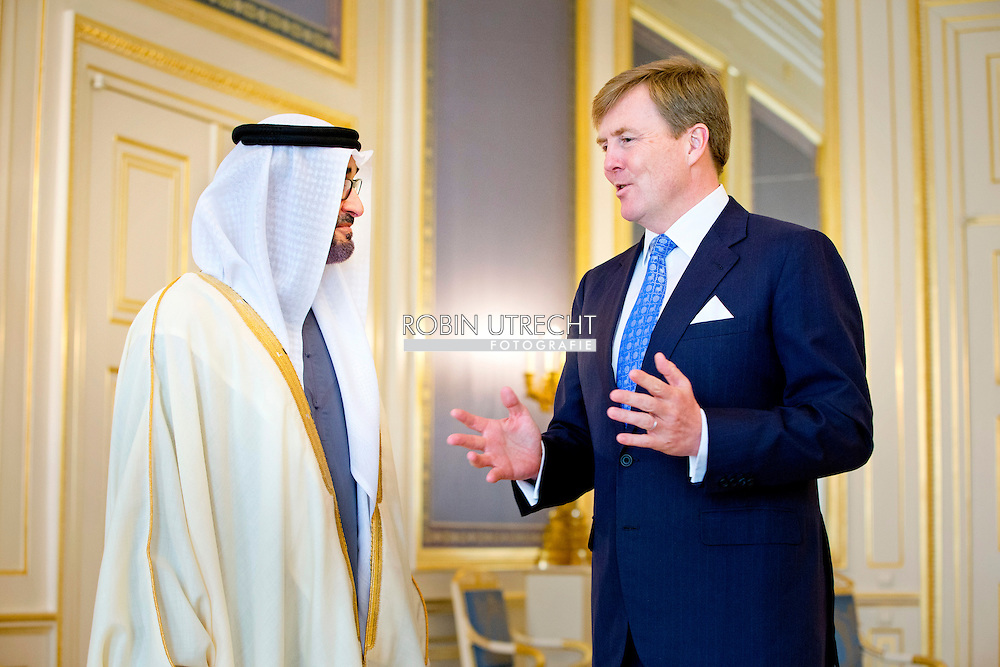 THE HAGUE - King Willem-Alexander receives the Crown Prince of Abu Dhabi, Sheikh Mohammed bin Zayed al Nahyan at Noordeinde Palace on the second day of the Nuclear Security Summit (NSS). COPYRIGHT ROBIN UTRECHT
