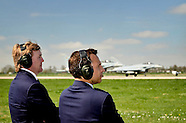 Koning Willem Alexander bezoekt militaire oefening Frisian Flag