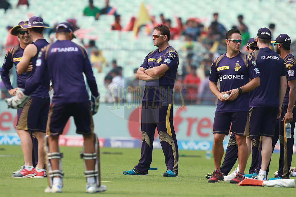 KKR coach Kalis(C) with players at warmup session during match 55 of the Vivo Indian Premier League ( IPL ) 2016 between the Kolkata Knight Riders and the Sunrisers Hyderabad held at the Eden Gardens Stadium in Kolkata on the 22nd May 2016<br /> <br /> Photo by Saikat Das / IPL/ SPORTZPICS