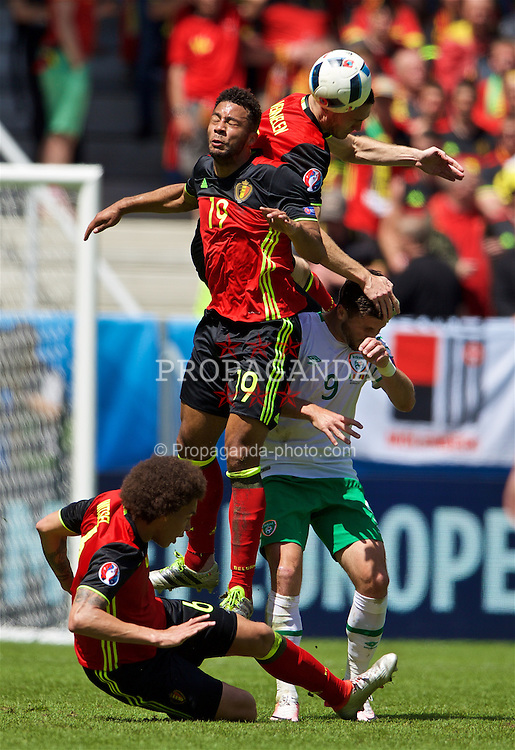BORDEAUX, FRANCE - Saturday, June 18, 2016: Belgium's Mousa Dembele, Thomas Vermaelen and Axel Witsel in action against Republic of Ireland's Shane Long during the UEFA Euro 2016 Championship Group E match at Stade de Bordeaux. (Pic by Paul Greenwood/Propaganda)