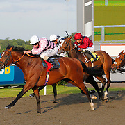 High Master and Ryan Moore winning the 7.50 race