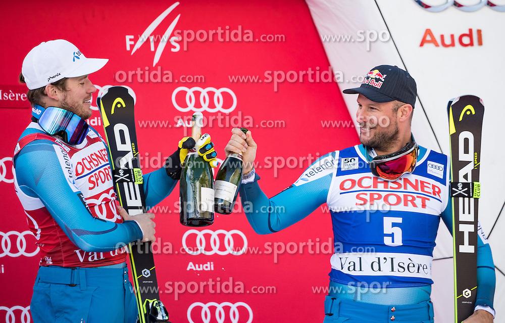 03.12.2016, Val d Isere, FRA, FIS Weltcup Ski Alpin, Val d Isere, Abfahrt, Herren, Siegerpräsentation, im Bild Kjetil Jansrud (NOR, 1. Platz), Aksel Lund Svindal (NOR, 3. Platz) // f.l.t.r. race winner Kjetil Jansrud of Norway, third placed Aksel Lund Svindal of Norway during the winner presentation for the men's downhill of the Val d Isere FIS Ski Alpine World Cup.. Val d'Isere, France on 2016/12/03. EXPA Pictures © 2016, PhotoCredit: EXPA/ Johann Groder