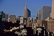 New York. Chinatown elevated view  Chinese area  under Manhattan bridge   Usa /   Chinatown, le quartier chinois sous le pont de Manhattan  New york  USa