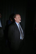 Robin Cook. The Art Party, Tate Modern. a party to raise funds for 'Art for All'. 16 June 2005. ONE TIME USE ONLY - DO NOT ARCHIVE  © Copyright Photograph by Dafydd Jones 66 Stockwell Park Rd. London SW9 0DA Tel 020 7733 0108 www.dafjones.com