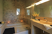 Country Bathroom 675