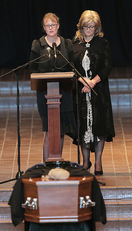 Catherine Milnes-King, left, the wife of the late respected lawyer Greg King speaks at his funeral with Frances Jones, in St Pauls Cathedral, Wellington, New Zealand, Friday, November 09, 2012. Credit:SNPA / DominionPost, Phil Reid  **POOL**