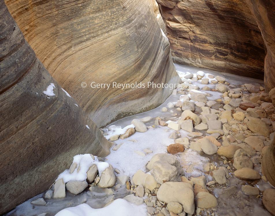 Slot Canyon, Sandstone Canyon, Canyon, Sandstone, Winter, Ice, Snow, Zion, Zion National Park, Utah