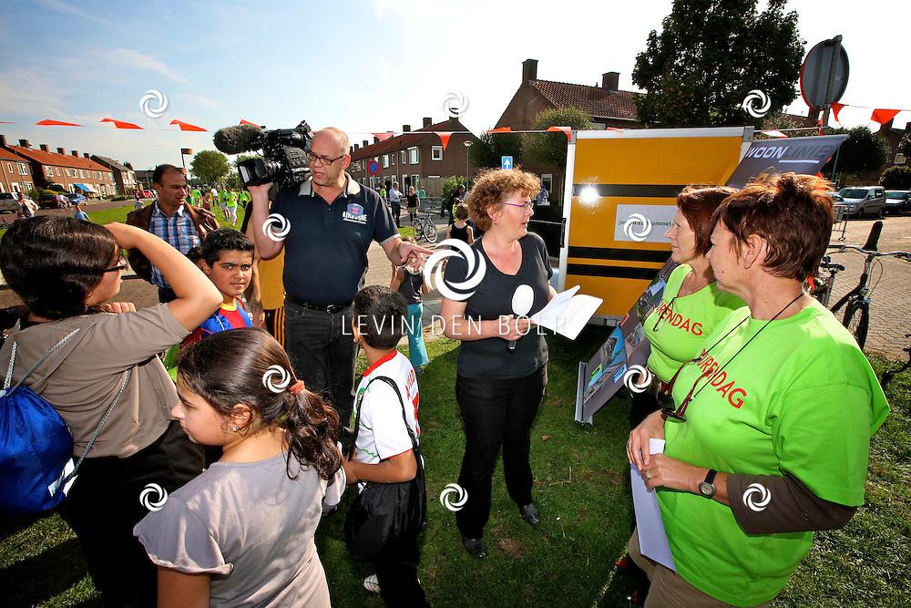 ZALTBOMMEL - In wijk De Vergt is de Landelijke Burendag weer gehouden. Er waren diversen activeiten te doen zowel voor kinderen als voor de ouders. FOTO LEVIN DEN BOER - PERSFOTO.NU