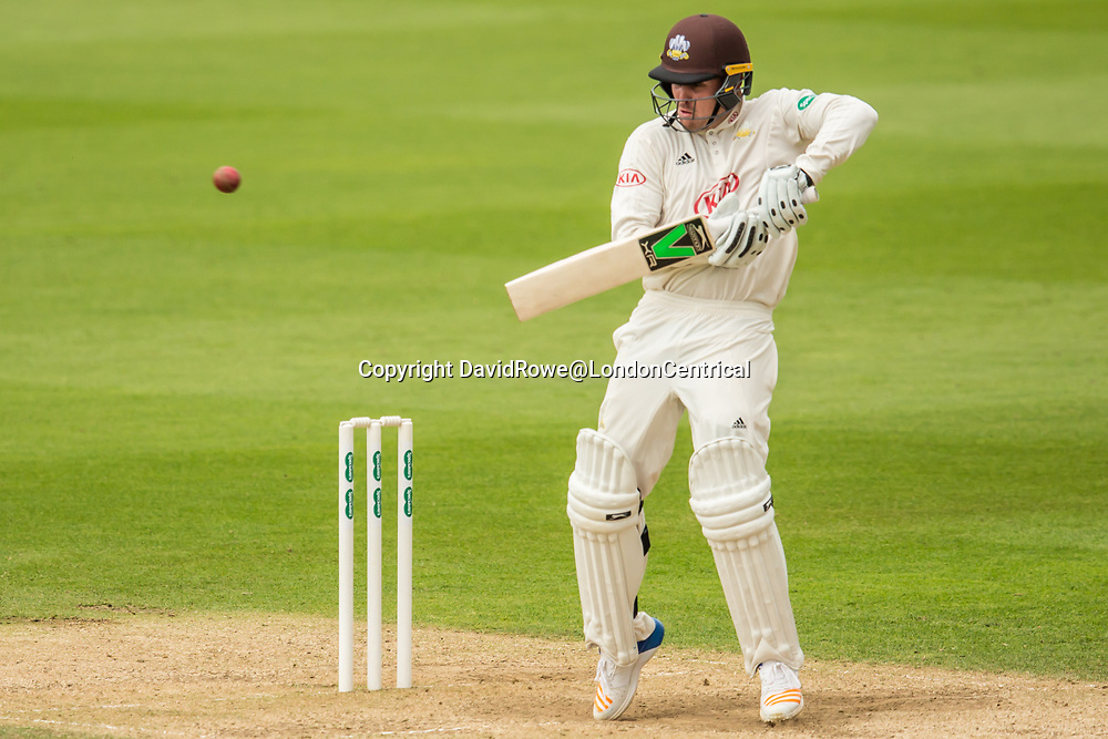 London,UK. 29 August 2017. Jason Roy guides one down to third man for four batting for Surrey against Middlesex at the Oval on day two of the Specsaver County Championship match at the Oval. David Rowe/ Alamy Live News