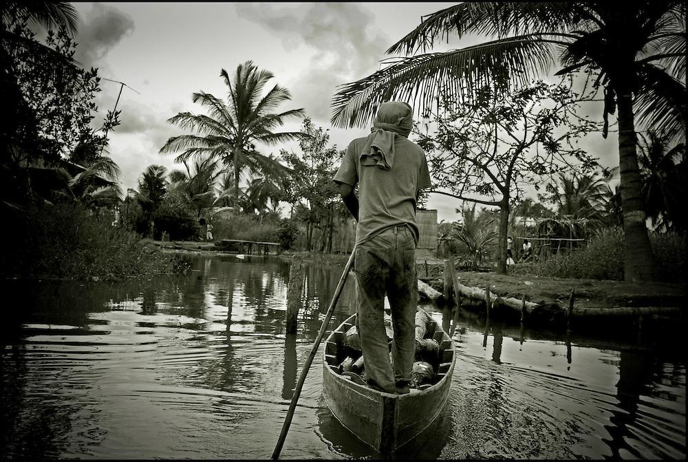 THE SINAMAICA LAGOON / LAGUNA DE SINAMAICA<br /> Zulia State, Venezuela 2009<br /> (Copyright &copy; Aaron Sosa)