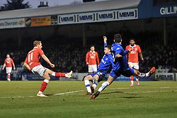 Bristol City's Scott Wagstaff scores a goal. - Photo mandatory by-line: Dougie Allward/JMP - Mobile: 07966 386802 - 28/12/2014 - SPORT - football - Gillingham - Priestfield Stadium - Bristol City v Gillingham - Sky Bet League One