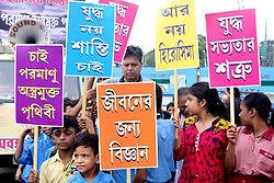 August 6, 2017 - Kolkata, West Bengal, India - Indian student participate in a rally in demand to nuclear weapon free world on occasion of 72nd anniversary of Hiroshima bombing on August 6, 2017 in Kolkata. Hiroshima suffered US atomic bombing in 1945 during World War II. (Credit Image: © Saikat Paul/Pacific Press via ZUMA Wire)