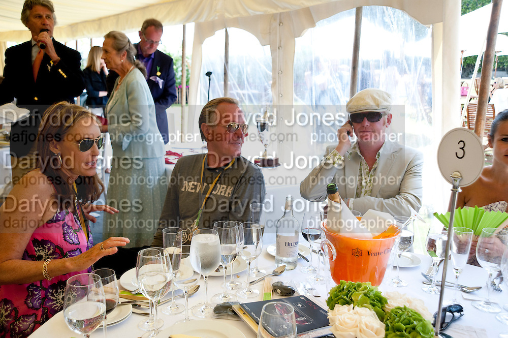 PARKY FONDA; PETER FONDA; CHRIS EVANS; NATASHA EVANS;, Cartier Style et Luxe at the Goodwood Festival of Speed. Goodwood House. 5 July 2009.