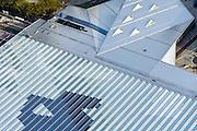 Nederland, Zuid-Holland, Rotterdam, 28-09-2014; dak en spoor van het gerenoveerde en volkomen vernieuwde station van Rottterdam, Rotterdam CS. Het spoorwegstation, bijnaam De Kapsalon is ontworpen door Benthem Crouwel Architekten.<br /> The roof of the completely renovated railway station Rottterdam, Rotterdam Central (Benthem Crouwel architects) and is nicknamed The Hair Salon. <br /> luchtfoto (toeslag op standard tarieven);<br /> aerial photo (additional fee requi