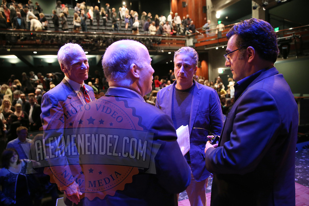 Dean Ed Wasserman (L) and Professor Mark Danner speak with Director Jon Stewart and Iranian Canadian journalist Maziar Bahari about the film Rosewater at the Berkeley Repertory Theatre on Tuesday, Oct 21, 2004. (Photo/Alex Menendez/ UC Berkeley Graduate School of Journalism)