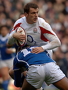 2005 Rugby, Investec Challenge, England vs Manu Samoa, Mark Cueto, look's for support as his run is countered by Samoa's Elvis Saveali'i. As england beat Samoa 40 -3 at the  RFU Stadium, Twickenham, ENGLAND:     26.11.2005   © Peter Spurrier/Intersport Images - email images@intersport-images..