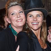 NLD/Bergen/20131114 - Boekpresentatie Saskia Noort - Debet, Saskia Noort en Judith Wiersma