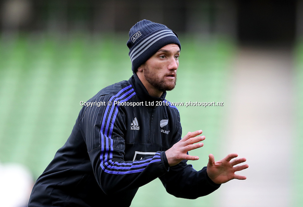 New Zealand Captain's Run, Aviva Stadium, Dublin 18/11/2016<br /> Aaron Cruden<br /> Copyright photo: Dan Sheridan / www.photosport.nz