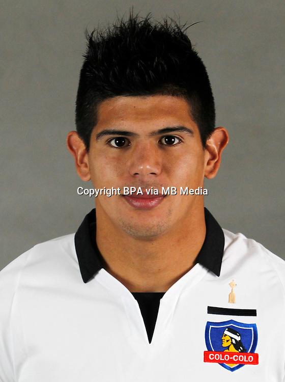 Chile Football League Serie A  /<br /> ( Club Social y Deportivo Colo-Colo ) - <br /> Esteban Pavez