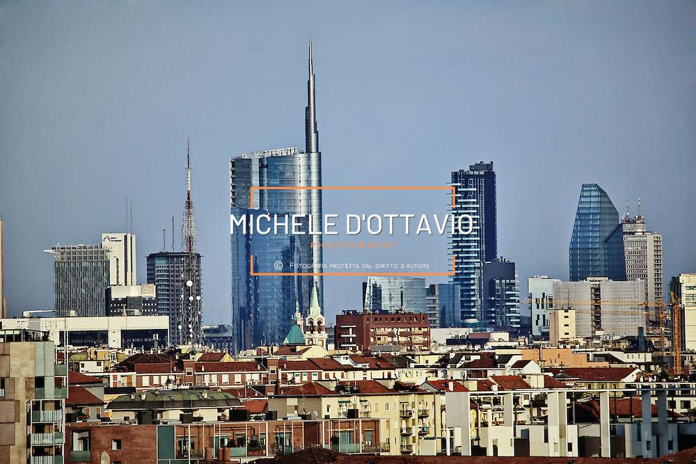 Skyline Milano: Palazzo Lombardia, Grattacielo Pirelli, , Bosco Verticale, Porta Nuova, Torre Unicredit, <br /> Milano 19/03/2016