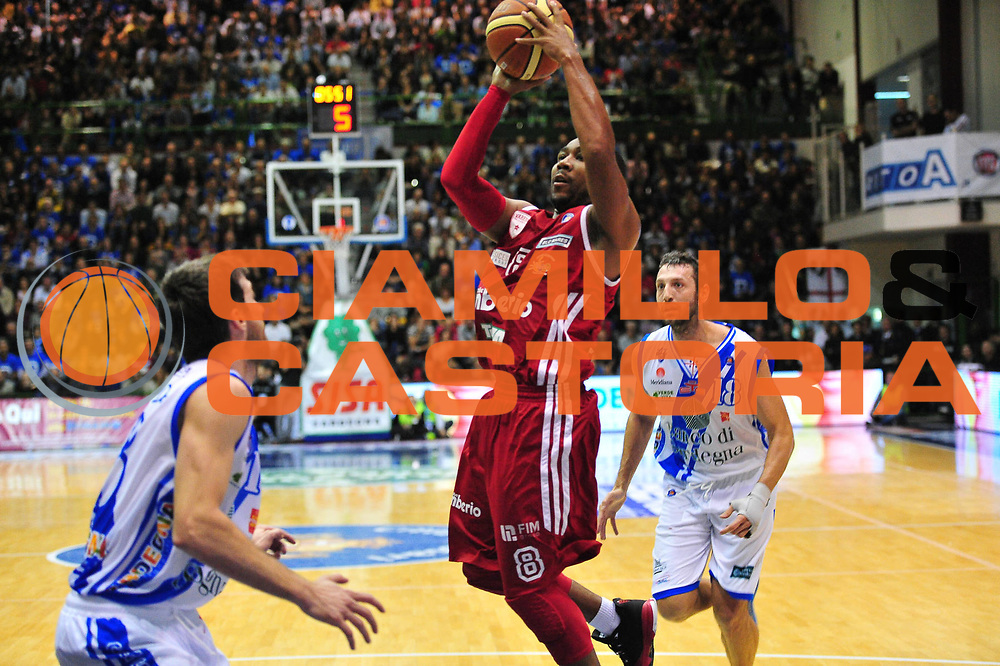 DESCRIZIONE : Sassari Lega A 2013-14 Dinamo Sassari - Cimberio Varese<br /> GIOCATORE :Keyden Klark<br /> CATEGORIA :Tiro<br /> SQUADRA : Cimberio Varese<br /> EVENTO : Campionato Lega A 2013-2014 <br /> GARA : Dinamo Sassari - Cimberio Varese<br /> DATA : 10/11/2013<br /> SPORT : Pallacanestro <br /> AUTORE : Agenzia Ciamillo-Castoria/M.Turrini<br /> Galleria : Lega Basket A 2013-2014  <br /> Fotonotizia : Sassari Lega A 2013-14 Dinamo Sassari - Cimberio Varese<br /> Predefinita :