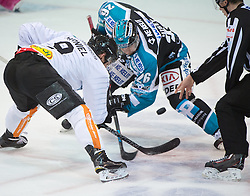 09.10.2015, Keine Sorgen Eisarena, Linz, AUT, EBEL, EHC Liwest Black Wings Linz vs Dornbirner Eishockey Club, 9. Runde, im Bild Jamie Arniel (Dornbirner Eishockey Club) und Rob Hisey (EHC Liwest Black Wings Linz) // during the Erste Bank Icehockey League 9th round match between EHC Liwest Black Wings Linz and Dornbirner Eishockey Club at the Keine Sorgen Icearena, Linz, Austria on 2015/10/09. EXPA Pictures © 2015, PhotoCredit: EXPA/ Reinhard Eisenbauer