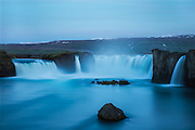 Long exposure night photo of Godafoss, Iceland   Lang eksponert nattfoto av Godafoss på Island.