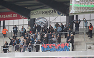 FODBOLD: Fans fra FC Helsingør varmer op før kampen i ALKA Superligaen mellem Silkeborg IF og FC Helsingør den 31. marts 2018 i Jysk Park, Silkeborg. Foto: Claus Birch.