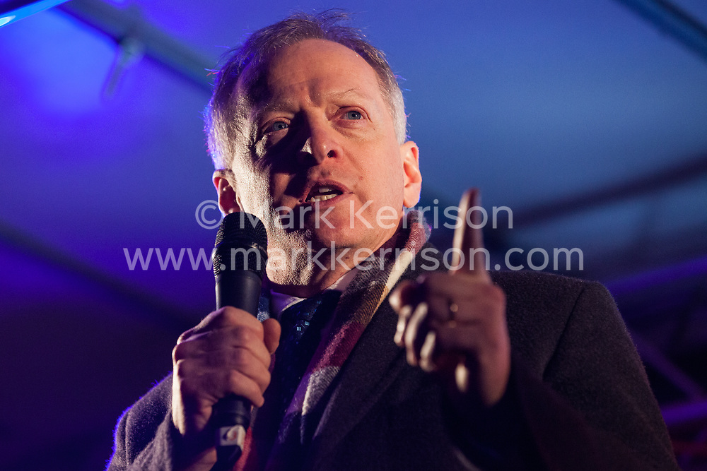 London, UK. 15th January, 2019. Phillip Lee, Conservative MP for Bracknell, addresses pro-EU activists attending a People's Vote rally in Parliament Square as MPs vote in the House of Commons on Prime Minister Theresa May's proposed final Brexit withdrawal agreement.