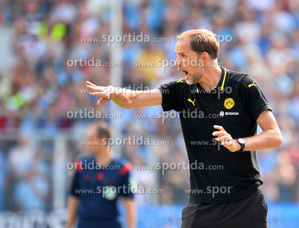 09.08.2015, Stadion an der Gellertstra&szlig;e, Chemnitz, GER, DFB Pokal, Chemnitzer FC vs Borussia Dortmund, im Bild Thomas Tuchel (Trainer, Borussia Dortmund) gibt Anweisungen // during German DFB Pokal first round match between Chemnitzer FC and Borussia Dortmund at the Stadion an der Gellertstra&szlig;e in Chemnitz, Germany on 2015/08/09. EXPA Pictures &copy; 2015, PhotoCredit: EXPA/ Eibner-Pressefoto/ Harzer<br /> <br /> *****ATTENTION - OUT of GER*****