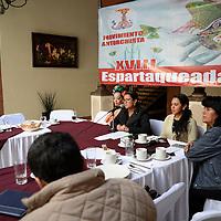 Toluca, México.- Dalila Rodríguez responsable de Cultura del Movimiento Antorchista en el Estado de México anuncio la XVIII Espartaqueada Cultural 2015 que se llevara a cabo del 31 de enero al 8 de Febrero en Tecomatlán, Puebla.  Agencia MVT / Crisanta Espinosa