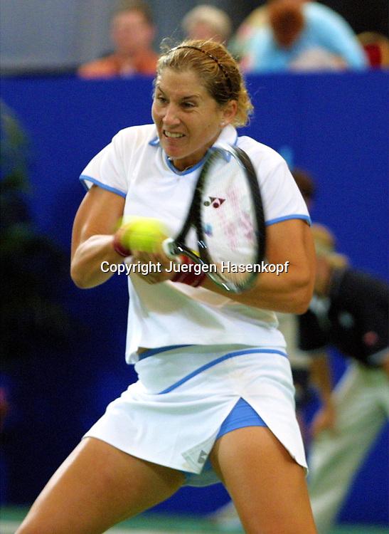 Sport,Tennis,Hopman Cup in Perth,Australien,Mixed<br /> Doubles WM, Monica Seles (USA) in Aktion,action , 04.01.2002<br /> Foto:Juergen Hasenkopf