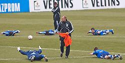 FC SCHALKE TRAINING, SEPPO EICHKORN LOOKS ON IN GELSENKIRCHEN
