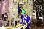 Lambris: recuperação e instalação de peças do altar mor, durante as obras de Restauro da Igreja da Ordem Terceira de São Francisco, realizadas no mês de novembro de 2013. São Paulo, 13 de novembro de 2013. Foto Daniel Guimarães