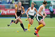 Liz Thompson of New Zealand in action during the bronze medal match between New Zealand and South Africa. Glasgow 2014 Commonwealth Games. Hockey, Bronze Medal Match, Black Sticks Women v South Africa, Glasgow Green Hockey Centre, Glasgow, Scotland. Saturday 2 August 2014. Photo: Anthony Au-Yeung / photosport.co.nz