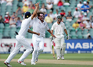 Ryan Sidebottom celebrates the wicket of Jacques Kallis  during day 3 of the 4th Castle Test between South Africa and England held at The Bidvest Wanderers Stadium in Johannesburg, South Africa on the 16 January 2010.Photo by:  Ron Gaunt/SPORTZPICS