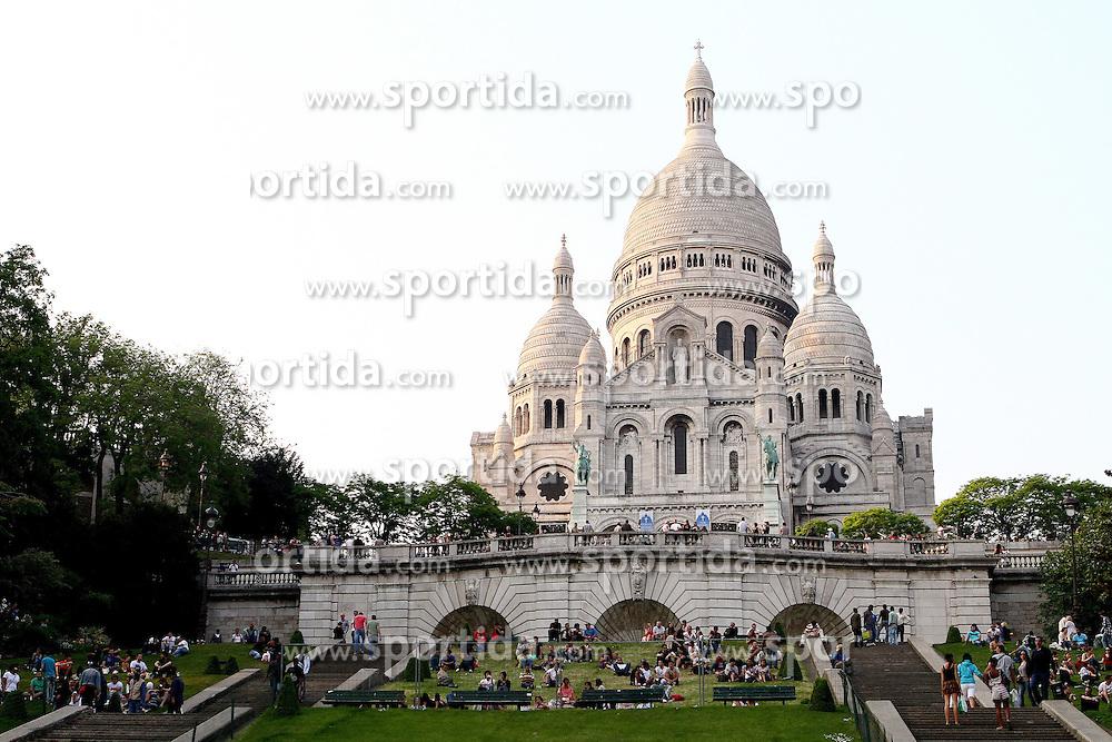 29.04.2011, Paris, Frankreich, FRA, Feature, Pariser Impression, im Bild  Sacre Coeur de Montmartre, EXPA Pictures © 2011, PhotoCredit: EXPA/ nph/  Straubmeier       ****** out of GER / SWE / CRO  / BEL ******