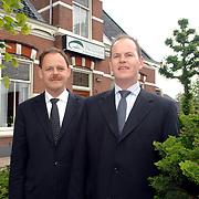 NLD/Huizen/20070516 - Henk en Mees de Groot, begrafenisonderneming de Groot Huizen gaan uitbreiden