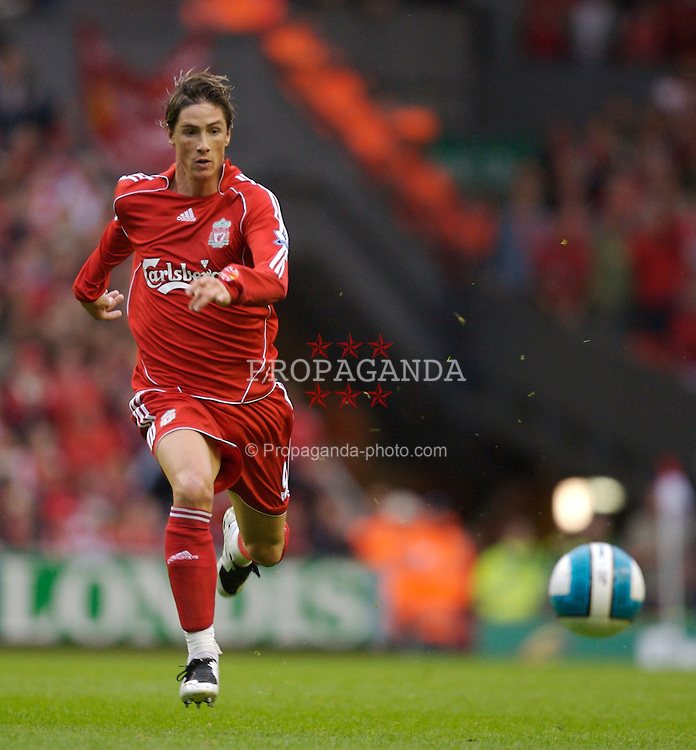 Liverpool, England - Sunday, August 19, 2007: Liverpool's Fernando Torres in action against Chelsea during the Premiership match at Anfield. (Photo by David Rawcliffe/Propaganda)