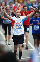 01-11-2015 USA: NYC Marathon We Run 2 Change Diabetes day 4, New York<br /> De dag van de marathon, 42 km en 195 meter door de straten van Staten Island, Brooklyn, Queens, The Bronx en Manhattan / Jeroen